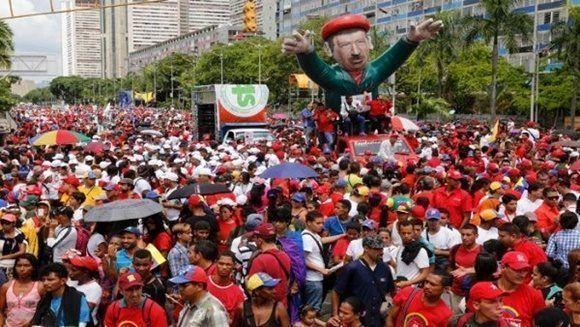 El pueblo venezolano muestra su apoyo a los principios de la Revolución Bolivariana. Foto: Telesur.