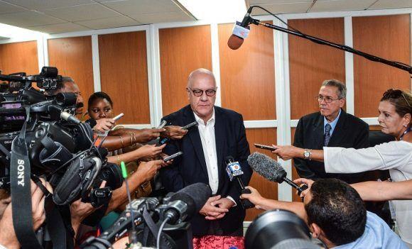 Declaraciones a la Prensa de Ricky W. Kunz, Director Comercial de la Autoridad Portuaria de Houston (Estados Unidos), sobre la firma del Memorando de Amistad y Cooperación Comercial con la Adimistracion Maritima de Cuba, en el Ministerio de Transporte, en La Habana, el 2 de agosto de 2017. Foto: ACN