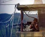 Estados Unidos disminuyó sus amenzas contra Corea del Norte, al tiempo que los vecinos del Sur piden una solución pacífica al conflicto. En la imagen, soldados surcoreanos hacen guardia en la fronetera. Foto: Reuters