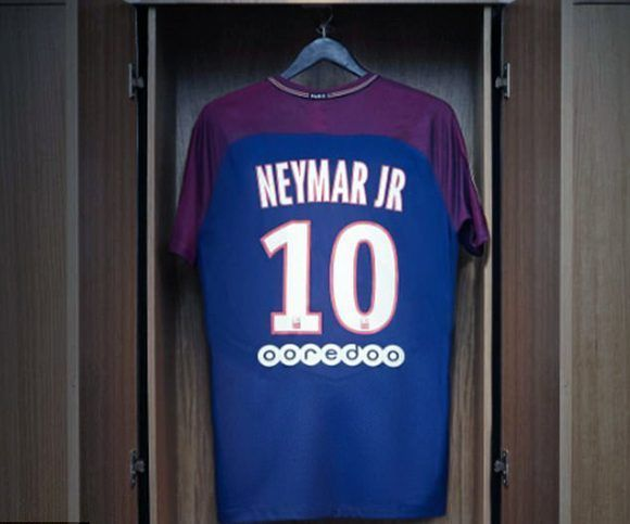 """La nueva camiseta de Neymar lleva el número """"10"""". Foto: Nike Football."""
