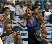 Los aficionados disfrutaron del partido en el Latinoamercano. Foto: Ismael Francisco/Cubadebate.