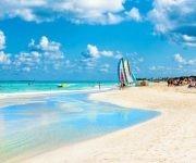 En el caso de las playas, el Instituto de Oceanología del Citma reconoce la existencia de un total de 414 con una longitud aproximada que sobrepasa los 900 km del total de las costas del país.