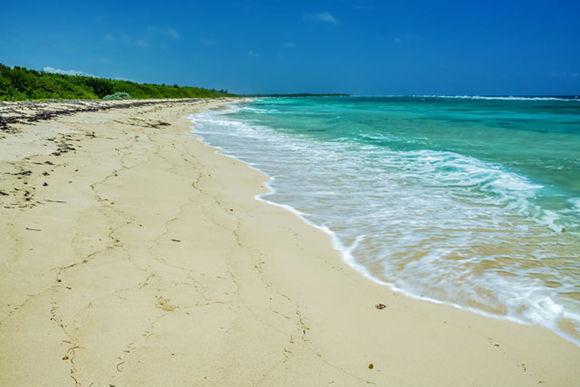 Playas vírgenes en la península del Ramón de Antilla, ubicada a la entrada de la bahía de Nipe, en el municipio de Antilla, provincia de Holguín, Cuba, el 29 de agosto de 2017. Playas vírgenes en la península del Ramón de Antilla, ubicada a la entrada de la bahía de Nipe, Holguín, Cuba. Foto: Juan Pablo Carreras.