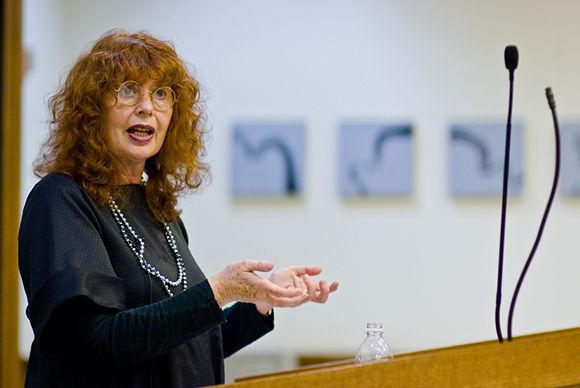 La psicóloga inglesa Valerie Walkerdine, eminencia de la psicología crítica y los estudios psicosociales y académica de la Universidad de Cardiff. Foto: Flickr.