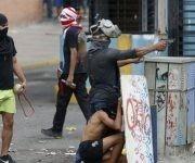 La oposición intentó impedir que los ciudadanos salieran a votar el pasado 30 de julio en Venezuela, pero sus violentos sabotajes fracasaron. Foto: Reuters.