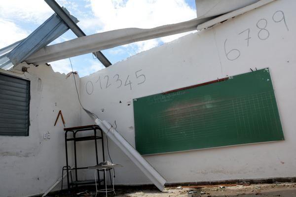 Afectaciones en la escuela primaria Carlos Casanova Reinoso, en el poblado La Panchita, en la costa noste de la región central, en Villa Clara, Cuba, el 11 de septiembre de 2017. Foto: ACN.