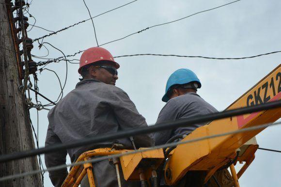 Brigadas cubanas apoyarán la recuperación eléctrica en Martinica
