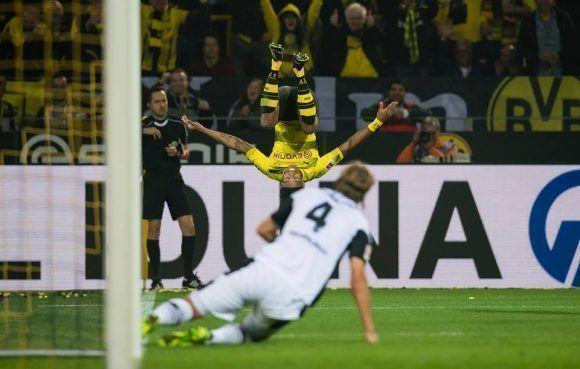Pierre Emerick Aubameyang ha sido una de las figuras en el inicio de temporada del Dortmund. Foto tomada del perfil en Facebook del club.