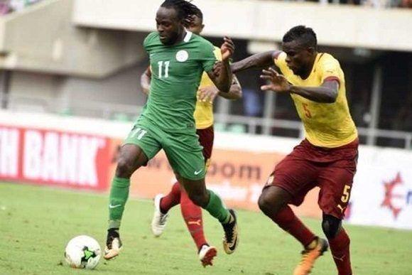 """Nigeria (verde) empató de visitante con Camerún y dejó a los """"Leones Indomables"""" fuera de Rusia-2018. Foto tomada de Olé."""