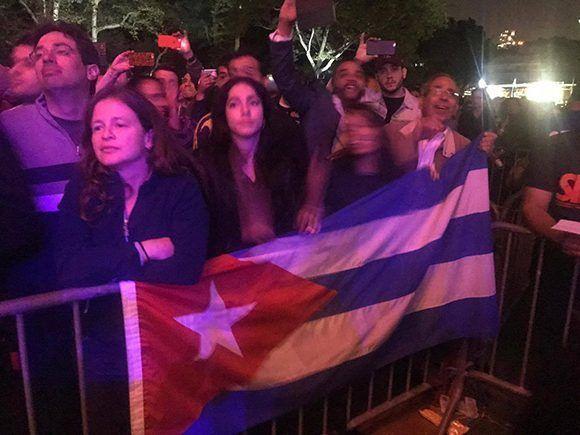 El público asistente al concierto de Silvio en Central Park. Foto: Eieri Ossorio/ Cubadebate.