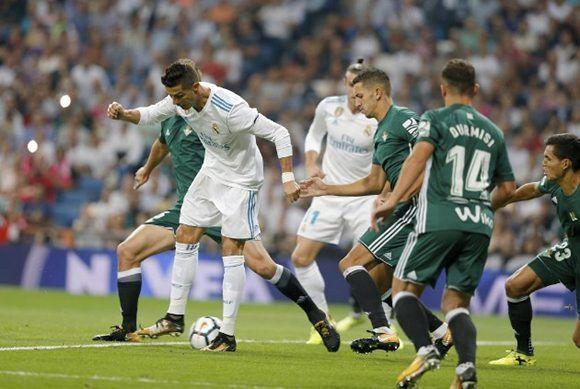 Cristiano Ronaldo no pudo anotar su primer gol en la liga. Foto tomada de Marca.