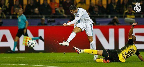 Así remató CR7 para el tercer gol blanco. Foto: @realmadrid.