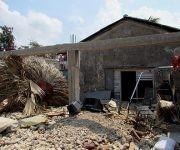 Una de las casas que visitó el directivo en su recorrido.  Foto: Cinthya García Casañas/ Cubadebate.