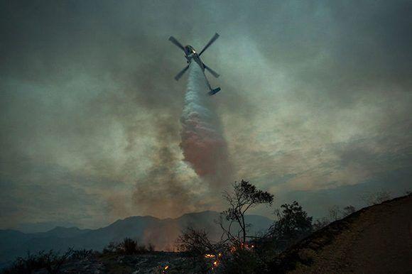 El mayor incendio en la historia de Los Ángeles arrasa con más de 2 ...