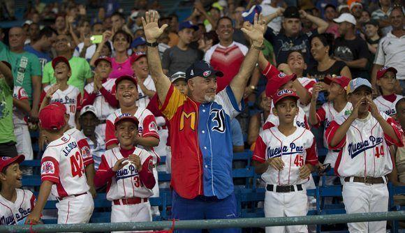 Peloteritos en el Latino.Foto: Ismael Francisco/Cubadebate