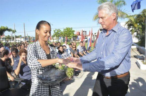 Miguel Díaz-Canel presidió el acto en Cienfuegos. Foto tomada de Cinco de Septiembre.