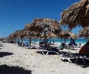 La zona de playa del hotel Memories Varadero totalmente recuperada luego del paso del huracán Irma por la costa norte de Cuba.   Matanzas, el 23 de septiembre de 2017.   ACN  FOTO/Bárbara VASALLO VASALLO/sdl