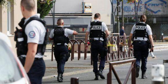Tres detenidos en Francia tras hallazgo de explosivos