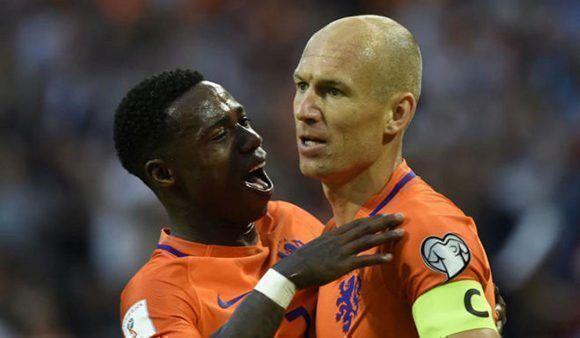 Robben celebra su gol ante Bulgaria. Foto: AFP.
