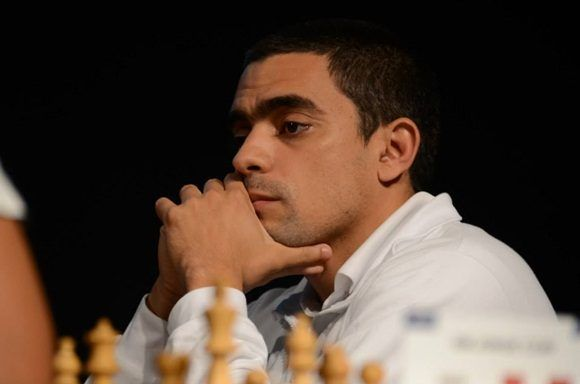 Cubano González sorprende en Copa Mundial de ajedrez.