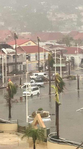 Irma destrozó al menos el 90% de Barbuda. Foto: ABS Television/Radio/ Facebook.