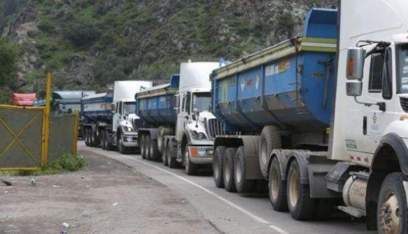 Sismos causaron deslizamientos que bloquearon la Carretera Central. Foto: Perú21.