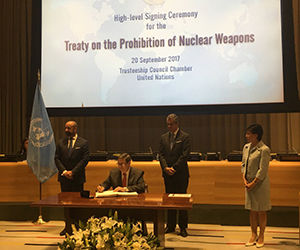 Cuba signs Treaty against Nuclear Weapons at UN