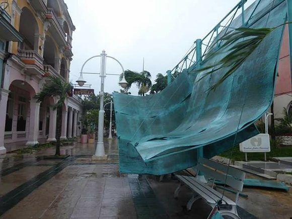 Ciego de Ávila bajo el azote de Irma este sábado. Foto: Ortelio González Martínez/ Facebook.