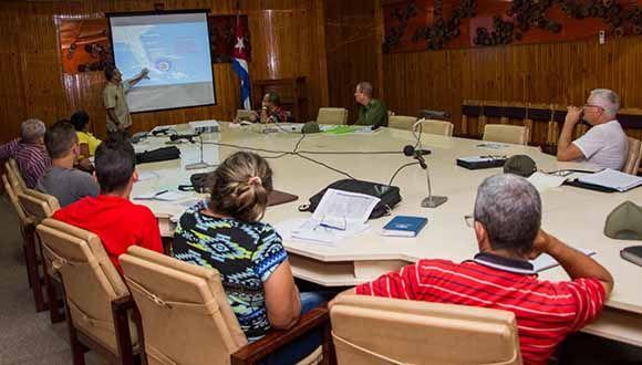 Consejo de Defensa Provincial activado al encontrarse la provincia en la fase informativa, por el paso del huracán Irma por las provincias orientales y centrales del país, en Pinar del Río, Cuba, el 8 de septiembre de 2017.    ACN  FOTO/ Rafael FERNÁNDEZ ROSELL/ rrcc