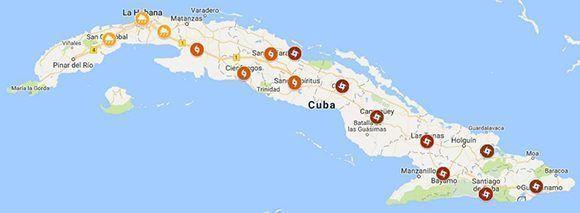 Con el ícono rojo los territorios en alarma ciclónica, en naranja alerta y fase informativa los amarillos. Imagen: Google/ Cubadebate.