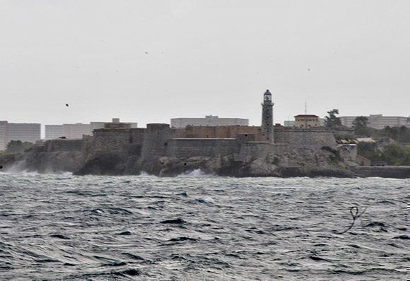 El Morro espera por Irma. Foto: Jorge Legañoa/ ACN.