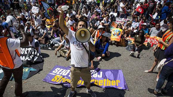 Manifestación frente a la Casa Blanca. Foto: AFP.