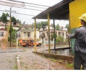 De la Concepción apuntó que se le ha dado prioridad al restablecimiento de la energía en los cascos urbanos municipales, donde hay mayor cantidad de personas, para luego comenzar el trabajo en los circuitos rurales.