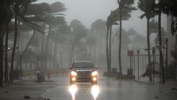 Llegada del huracán Irma a Florida. Foto: @europapress / Twitter