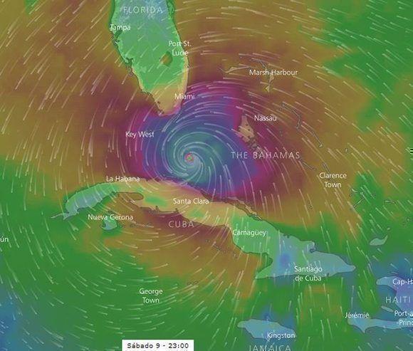 El sábado y el domingo Irma puede enlentecer su paso debido a que cambiará el rumbo hacia el norte. Esta podría ser la posición del huracán el sábado a las 23:00 horas, cuando se espera haya reducido su intensidad a categoría cuatro. Imagen: Windy/ Modelo ECMWF.
