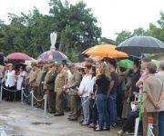 El General de Cuerpo de Ejército Álvaro López Miera, Jefe del Estado Mayor General de las Fuerzas Armadas Revolucionarias (FAR), y el Vicealmirante Julio César Gandarilla, Ministro del Interior (MININT), presiden la ceremonia militar de despedida, en el funeral del General de Brigada (r) Guillermo Pablo Luis Frank Llanes, en el Panteón de las FAR, en el cementerio de Colón, en La Habana, Cuba, el 2 de septiembre de 2017.   ACN  FOTO/ Jorge LEGAÑOA ALONSO/ rrcc