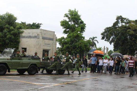 Cortejo fúnebre con honores militares del General de Brigada (r) Guillermo Pablo Luis Frank Llanes, en el cementerio de Colón, en La Habana, Cuba, el 2 de septiembre de 2017.   ACN  FOTO/ Jorge LEGAÑOA ALONSO/ rrcc