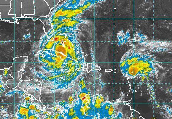 El huracán Irma esta sobre la mayor parte del territorio cubano. Imagen: NOAA/ Vía INSMET Cuba.