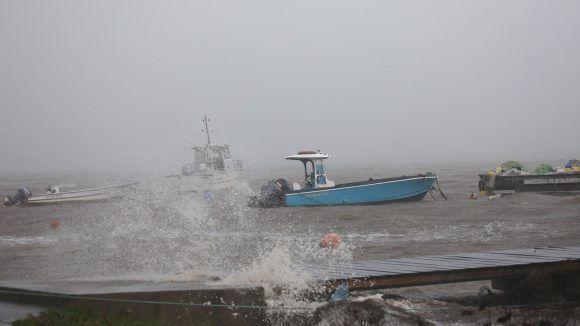 Los barcos resisten en la Isla Guadelupe. Foto: Andres Martinez Casares / Reuters