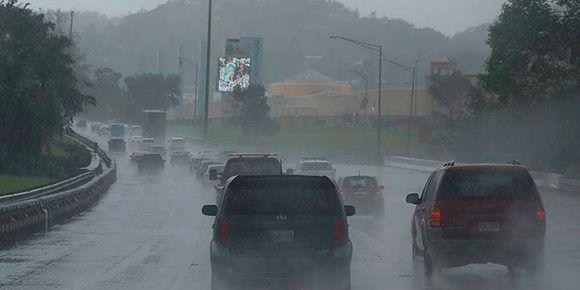 El ciclón, de categoría 4, toca tierra en el municipio de Yabucoa, en el este de la isla. Foto: Presencia.