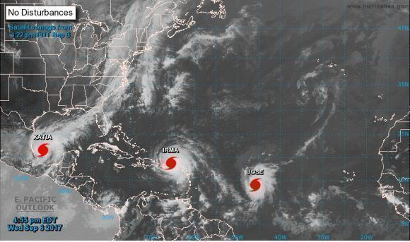 Irma, José y Katia son ahora tres huracanes. Foto: NOA.
