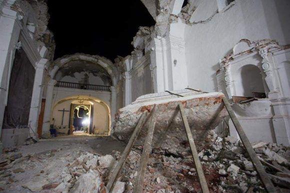 Once personas murieron en el interior de una iglesia del estado mexicano de Puebla en la que se celebraba un bautizo. Foto: EFE