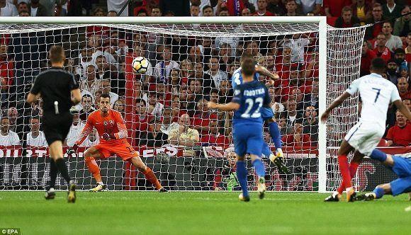 Los ingleses ganaron 2-1 a los eslovacos. Foto: EPA.