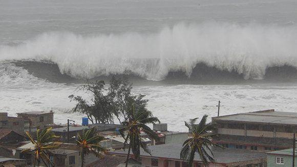 Fuertes inundaciones en Gibara debido al embate de Irma. Foto: Danier Ernesto González/ Cubadebate.