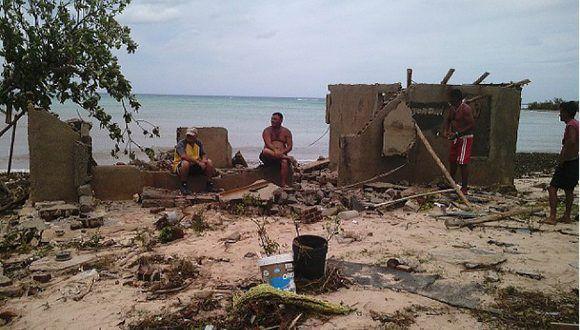 El huracán Irma dejó más de dos mil 400 viviendas dañadas en Holguín. Foto: Raul Oliva/ ¡ahora!