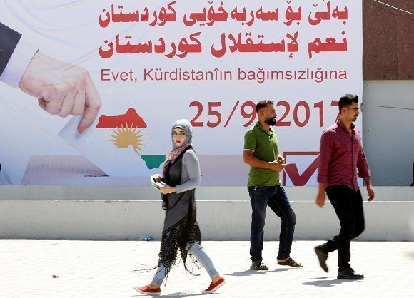 Un cartel llama la movilización para votar por la independencia del Kurdistán el próximo 25 de septiembre. Foto: Reuters.