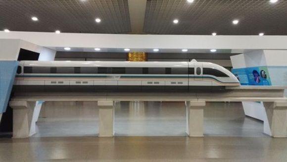 Desde 2004, en Shanghái opera una línea ferroviaria de levitación magnética de baja velocidad. | Foto: Pixabay (referencial)