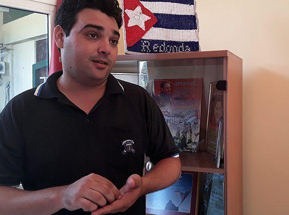 Elier Pila ofrece declaraciones a Cubadebate. Foto: Cubadebate.