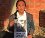 """Cada mañana, la dirigente de la Túpac Amaru, Milagro Sala, se asoma a la puerta de su prisión domiciliaria y pregunta a los guardias: """"¿Dónde está Santiago Maldonado?"""". Foto: Página12"""