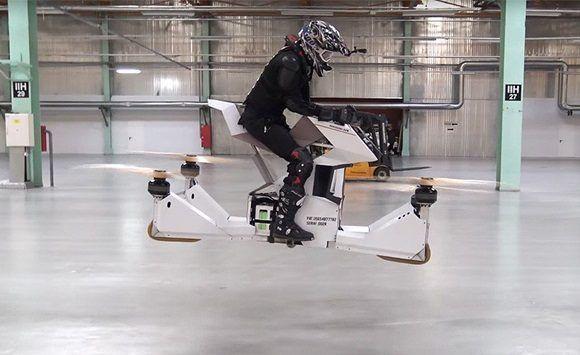Made in Russia: primer estreno de la moto voladora rusa HoverBike S3.